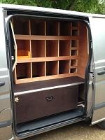 casiers et grand tiroir avec separations pour camion de marechal ferrant