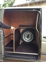 emplacement roue de secours pour vehicule agencé